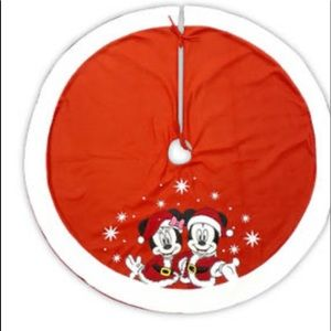 Disney Minnie and Mickey tree skirt
